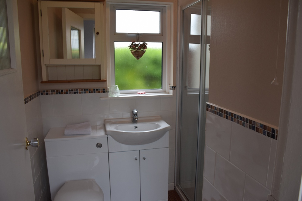 Beach Cottage Bathroom